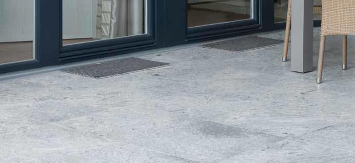 Wie können Balkon- oder Terrassenkonstruktionen mit verringerten Türanschlußhöhen ausgeführt werden?